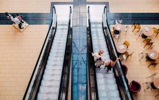 mall-893205_1920
